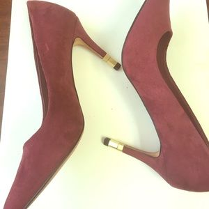 Aldo suede shoes Sz 6.5 gold hardware heel